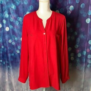 3/$25🌟🌟🌟 Susan Graver blouse with roll sleeve